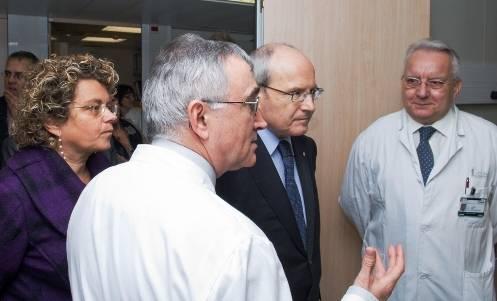 Los doctores Elías Campo y Emili Montserrat, durante la visita del Presidente Montilla y la Consejera de Salud de la Generalitat de Cataluña Marina Geli.