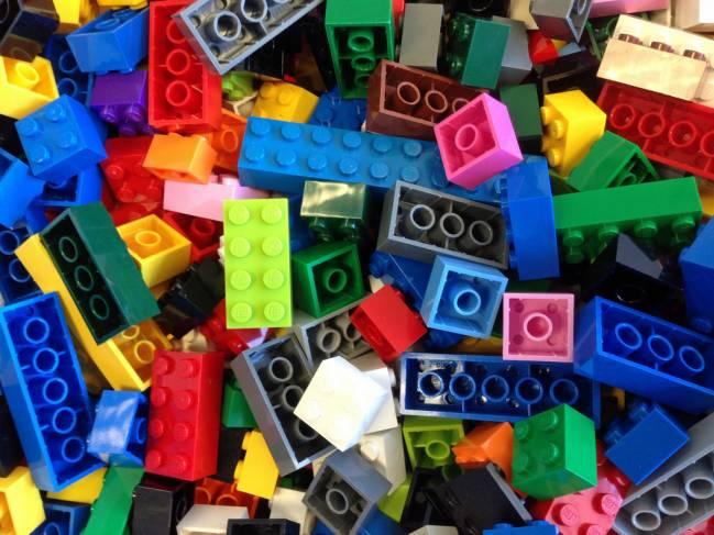 La herramienta se basa en un número ilimitado de cajas de colores, al estilo de Lego. Autor: Rick Payette.