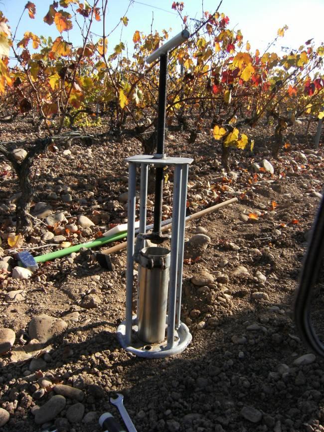El trabajo en viñedos de La Rioja muestra que es posible predecir el comportamiento de los pesticidas cuando se añaden residuos orgánicos