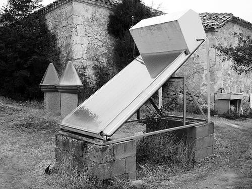 Colectores de energía solar térmica en Navapalos (Soria). Foto: Luis Pabón.