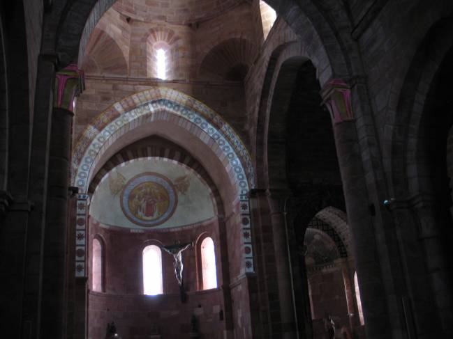 Cartif y la Fundación Santa María la Real proyectan pinturas con este sistema en la iglesia románica de Santa María de Mave