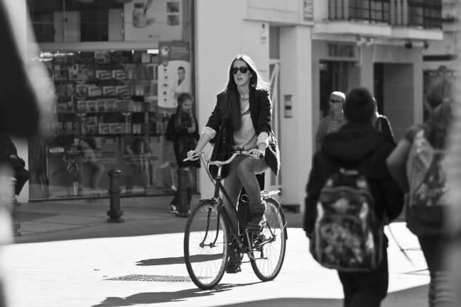 La bicicleta está protagonizando una pequeña revolución en la forma de moverse en muchas ciudades españolas / Claudio Olivares Medina (CC BY-NC-ND 2.0).