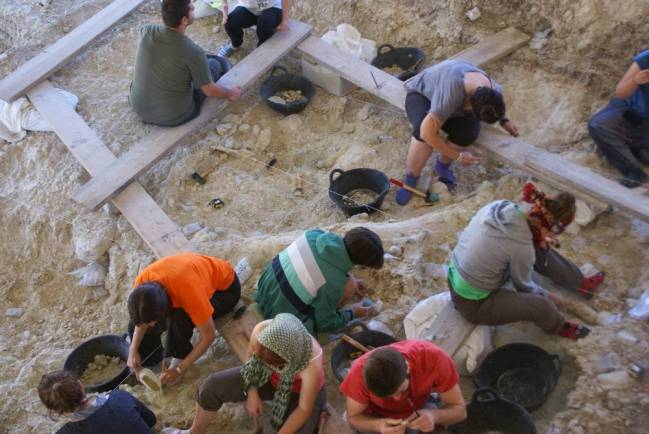 Excavaciones en Fuente Nueva 3