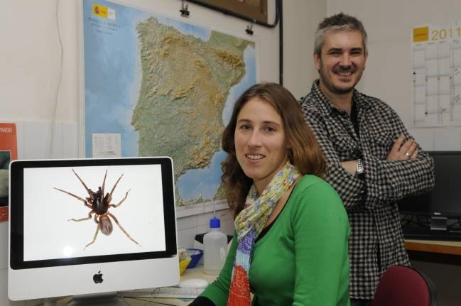 Leticia Bidegaray-Batista y Miquel A. Arnedo, autores del trabajo investigador.