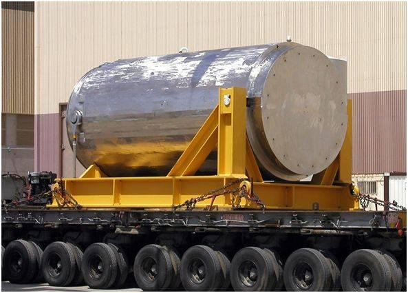 Contenedor metálico para el transporte de combustible gastado.
