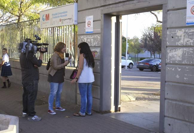 Entrada del Hospital Carlos III de Madrid, donde se está tratando a los enfermos de ébola. / Efe