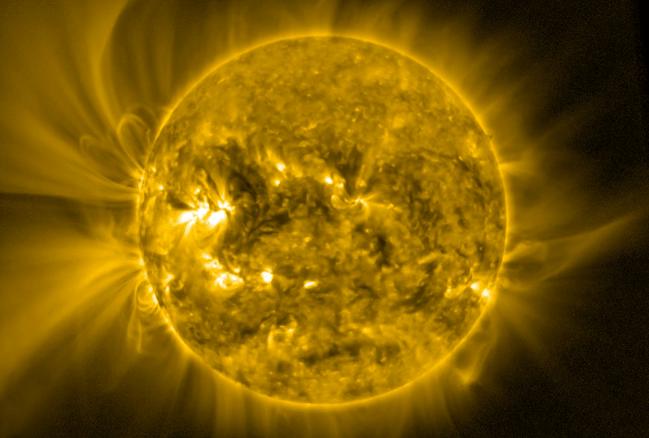 El Sol y su corona solar