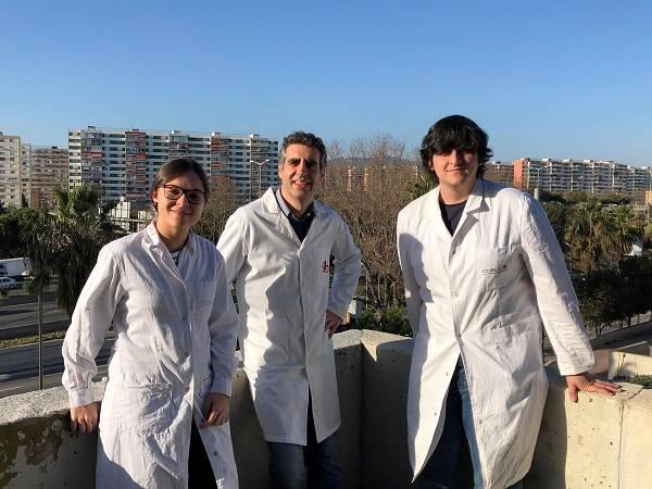 Los investigadores Margalida Rosselló-Tortella, Manel Esteller y Pere Llinàs-Arias.