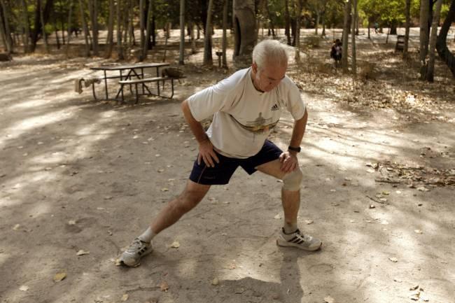 Una persona practica deporte en un parque de Madrid. /Sinc