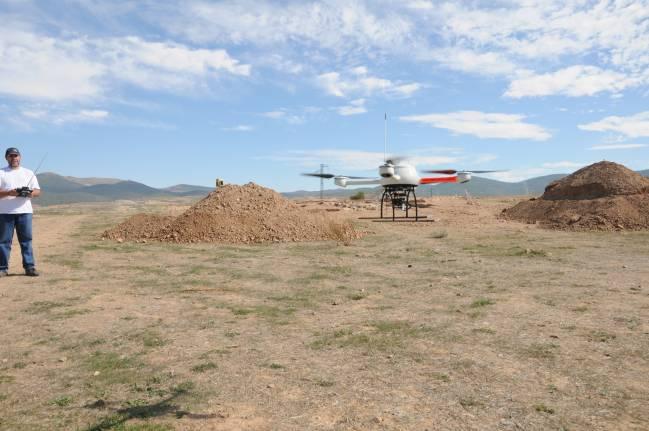 Investigadores de Ávila prueban los nuevos sistemas para tomar fotografías aéreas e integrarlos en herramientas SIG.
