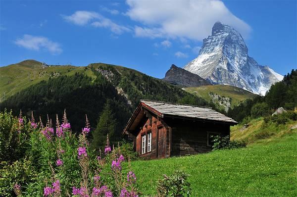 Cabaña entre las montañas en Zermatt (Suiza). Autor: Juan Rubiano.