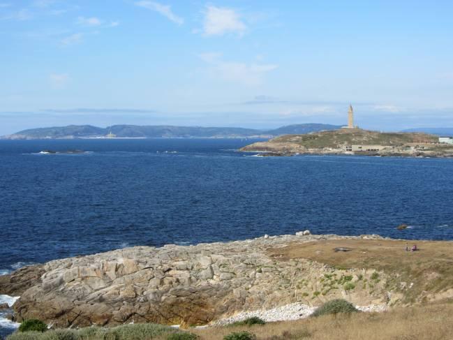 Vistas generales de la cantera histórica del leucogranito de San Pedro en Penaboa (A Coruña). DMFL.