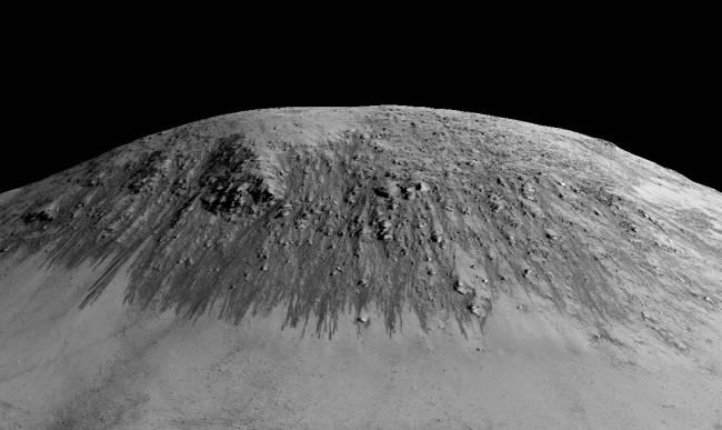 Colinas marcianas por las que podría fluir el agua  / NASA/JPL/University of Arizona.