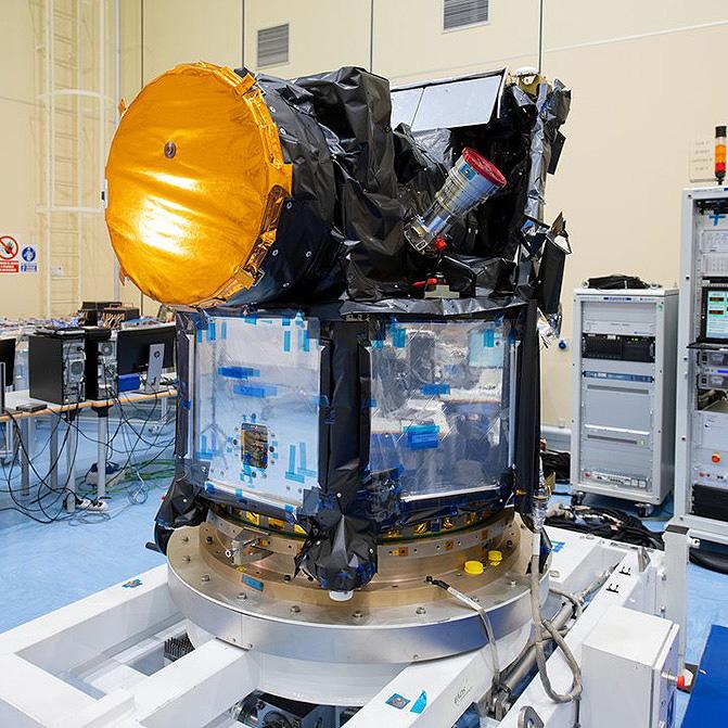 El satélite Cheops a comienzos de año en la sala limpia de Airbus DS en Madrid. / ESA–S. Corvaja