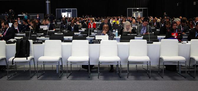Las delegaciones de los países durante las últimas horas de la cumbre. / UNclimatechange